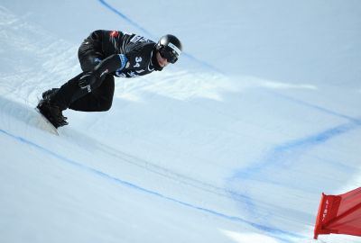 Konsti Schad auf dem Snowboard.